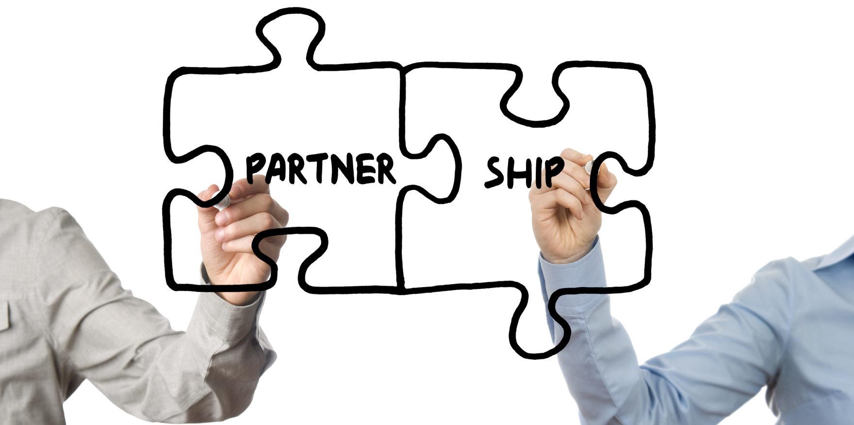 Selling Online to Strengthen Dealer Relationships